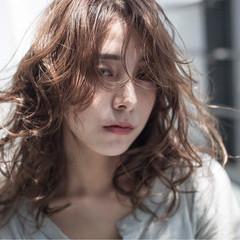 ミディアム 夏 こなれ感 ウェーブ ヘアスタイルや髪型の写真・画像