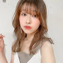 レイヤーカット ゆるふわパーマ エレガント ひし形シルエット ヘアスタイルや髪型の写真・画像