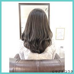 アッシュグレー セミロング エレガント イルミナカラー ヘアスタイルや髪型の写真・画像