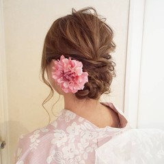 フェミニン 簡単ヘアアレンジ セミロング 大人女子 ヘアスタイルや髪型の写真・画像