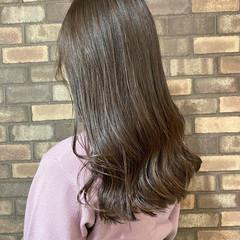 スロウ アッシュグレージュ ナチュラル 透明感 ヘアスタイルや髪型の写真・画像