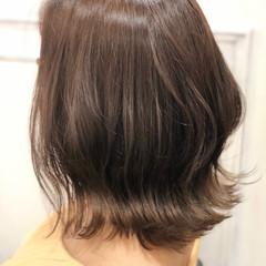 外ハネボブ ナチュラル くすみカラー ミディアム ヘアスタイルや髪型の写真・画像
