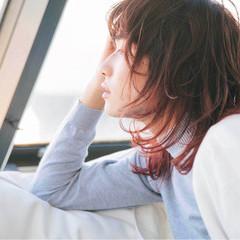 ミディアム 抜け感 グラデーションカラー ラフ ヘアスタイルや髪型の写真・画像