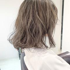 ヘアアレンジ ナチュラル ミルクティーグレージュ 外国人風カラー ヘアスタイルや髪型の写真・画像