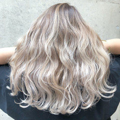 外国人風カラー バレイヤージュ セミロング ストリート ヘアスタイルや髪型の写真・画像