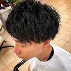 ツーブロック ナチュラル ツイスト スパイラルパーマ ヘアスタイルや髪型の写真・画像
