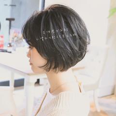 ショートボブ 大人かわいい パーマ ショート ヘアスタイルや髪型の写真・画像