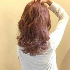 透明感 波ウェーブ 外国人風カラー ピンクアッシュ ヘアスタイルや髪型の写真・画像