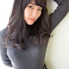 黒髪 パーマ 大人女子 外国人風 ヘアスタイルや髪型の写真・画像