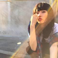 秋 ミディアム ウェーブ モード ヘアスタイルや髪型の写真・画像