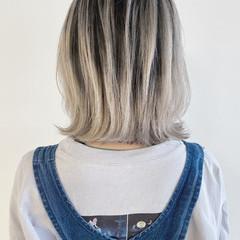 切りっぱなしボブ ナチュラル ボブ ホワイトカラー ヘアスタイルや髪型の写真・画像