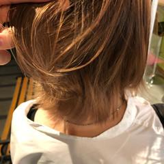 ナチュラルベージュ フェミニン ベージュ ミディアム ヘアスタイルや髪型の写真・画像