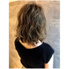 ナチュラル ミディアム 大人女子 3Dカラー ヘアスタイルや髪型の写真・画像