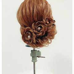 セミロング 甘め ヘアアレンジ 編み込み ヘアスタイルや髪型の写真・画像