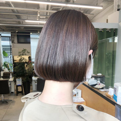 ショートボブ ミニボブ フェミニン アッシュベージュ ヘアスタイルや髪型の写真・画像