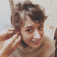 簡単ヘアアレンジ ミディアム フェミニン ヘアアレンジ ヘアスタイルや髪型の写真・画像