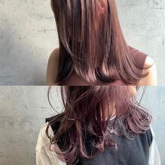 ピンクグレージュ インナーカラー セミロング フェミニン ヘアスタイルや髪型の写真・画像