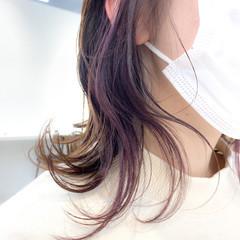 インナーカラー 大人かわいい アンニュイほつれヘア ナチュラル ヘアスタイルや髪型の写真・画像