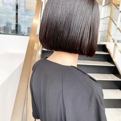 ダークグレー 切りっぱなしボブ グレージュ ショートボブ ヘアスタイルや髪型の写真・画像