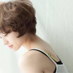 大人かわいい フェミニン ゆるふわ ショート ヘアスタイルや髪型の写真・画像