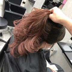 ベリーピンク ラズベリーピンク グラデーションカラー ロング ヘアスタイルや髪型の写真・画像