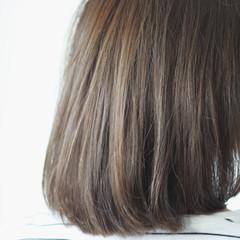 シルバー 暗髪 グレー セミロング ヘアスタイルや髪型の写真・画像