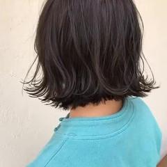 オリーブグレージュ オリーブアッシュ オリーブカラー ボブ ヘアスタイルや髪型の写真・画像