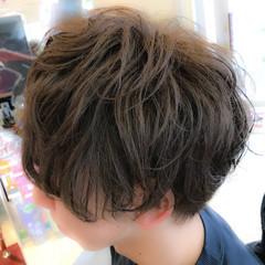 パーマ ナチュラル マッシュ メンズ ヘアスタイルや髪型の写真・画像