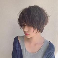 ショートボブ ニュアンスパーマ ショート コントラストハイライト ヘアスタイルや髪型の写真・画像