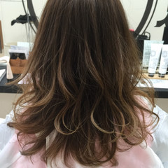フェミニン 暗髪 大人かわいい アッシュ ヘアスタイルや髪型の写真・画像