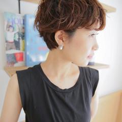 モード ショート 大人かわいい 抜け感 ヘアスタイルや髪型の写真・画像
