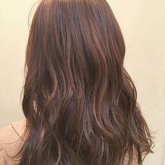 イルミナカラー ハイライト 大人かわいい ゆるふわ ヘアスタイルや髪型の写真・画像