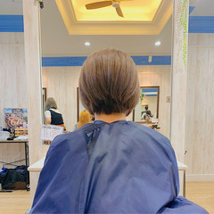ハイトーンカラー ミルクティーアッシュ ショート ミルクティーグレージュ ヘアスタイルや髪型の写真・画像