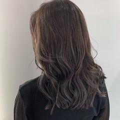 レイヤーカット ナチュラル アンニュイほつれヘア グラデーションカラー ヘアスタイルや髪型の写真・画像