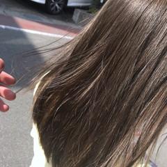 ナチュラル ウェーブ ブルーアッシュ 透明感 ヘアスタイルや髪型の写真・画像