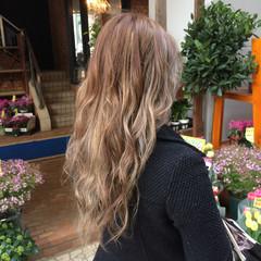 ロング グラデーションカラー 透明感 巻き髪 ヘアスタイルや髪型の写真・画像