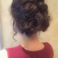 ねじり ルーズ ショート セミロング ヘアスタイルや髪型の写真・画像