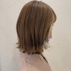 外ハネボブ ボブ ミルクティーベージュ 切りっぱなしボブ ヘアスタイルや髪型の写真・画像
