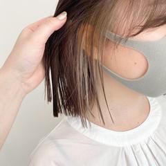 イヤリングカラーベージュ ボブ 切りっぱなしボブ イヤリングカラー ヘアスタイルや髪型の写真・画像