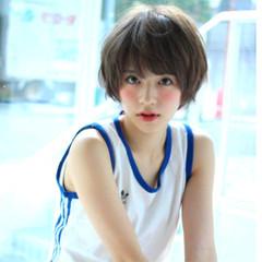 小顔 アッシュグレージュ 似合わせ シースルーバング ヘアスタイルや髪型の写真・画像