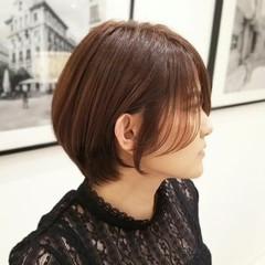 ショートヘア ナチュラル ショートボブ コテアレンジ ヘアスタイルや髪型の写真・画像