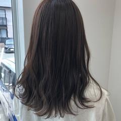オリーブグレージュ オリーブベージュ セミロング フェミニン ヘアスタイルや髪型の写真・画像