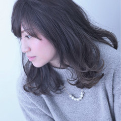 ハイライト 渋谷系 外国人風 ナチュラル ヘアスタイルや髪型の写真・画像