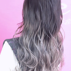 ダブルカラー ロング ホワイトカラー ホワイトグラデーション ヘアスタイルや髪型の写真・画像