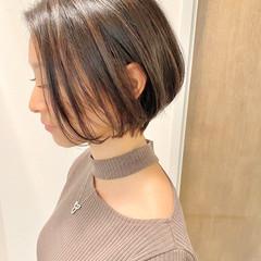 ショートヘア デート ショートボブ ナチュラル ヘアスタイルや髪型の写真・画像