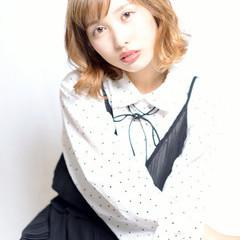 外国人風 くせ毛風 ガーリー ミディアム ヘアスタイルや髪型の写真・画像