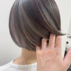 グレー モード インナーカラー アッシュグレー ヘアスタイルや髪型の写真・画像