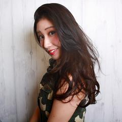 外国人風 ゆるふわ 艶髪 ストリート ヘアスタイルや髪型の写真・画像