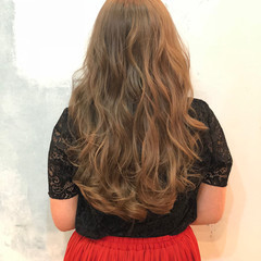 イルミナカラー 暗髪 外国人風カラー ナチュラル ヘアスタイルや髪型の写真・画像