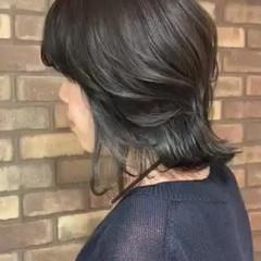 イルミナカラー ミディアム ハイライト ナチュラル ヘアスタイルや髪型の写真・画像